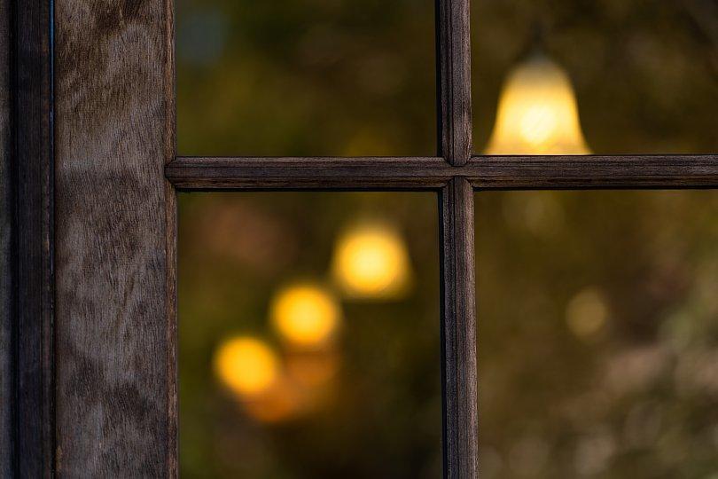 ランプと薔薇の喫茶店_d0353489_22570771.jpg