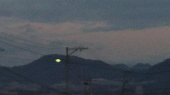 曇りです_e0094315_07273252.jpg