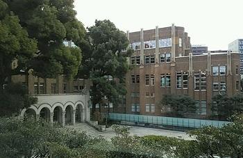 歴史館の窓 白金台(東京) _e0098739_12192495.jpg