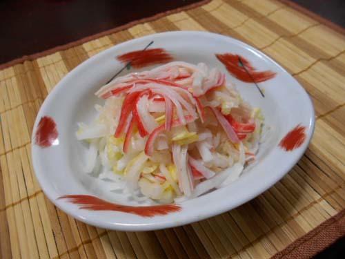 白菜と大根とカニカマのサラダ&にんにくの冷凍保存簡単_f0019498_20115594.jpg