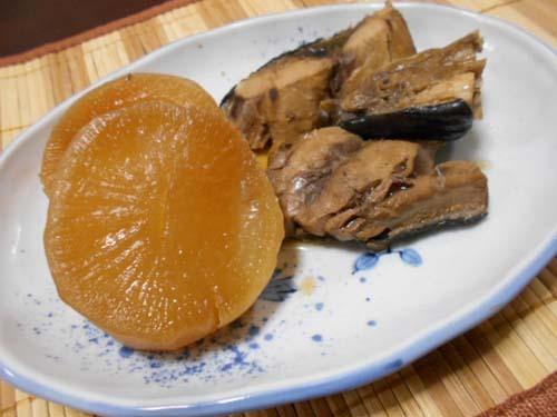 白菜と大根とカニカマのサラダ&にんにくの冷凍保存簡単_f0019498_20121637.jpg