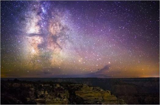 銀河系と大マゼラン雲、20億年後に「大衝突」 英研究_c0011649_10241842.jpg