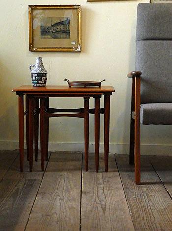 Nesting table_c0139773_18174984.jpg