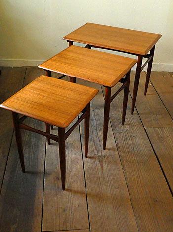Nesting table_c0139773_18190838.jpg