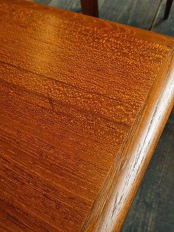 Nesting table_c0139773_18223293.jpg