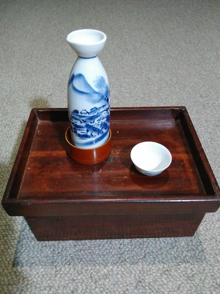 「袴を穿かなくなった」飲酒シーンの現在?_c0061686_07403716.jpg