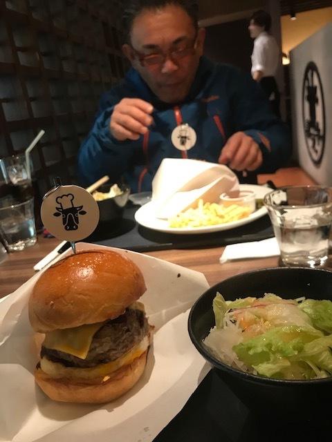 Beef泰元のハンバーガー!_f0232994_11283914.jpg