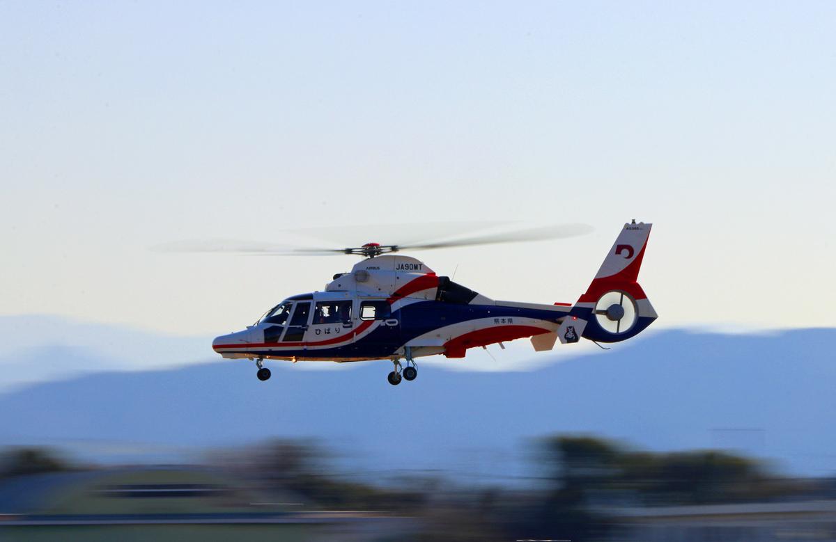熊本県新防災消防ヘリコプター。_b0044115_08555900.jpg