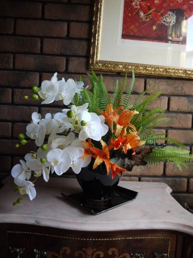 開業祝アレンジはアーティフィシャルの胡蝶蘭で制作_a0123133_00124265.jpg
