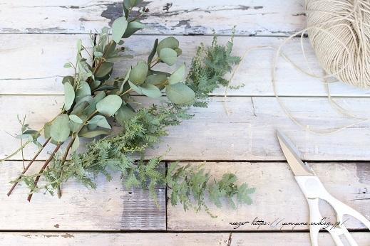 庭木のグリーンを使って0円で楽しめる簡単スワッグの作り方♪_f0023333_21273449.jpg