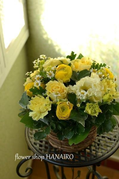 黄色いお花で作るフラワーアレンジメント。_e0375748_13475090.jpg