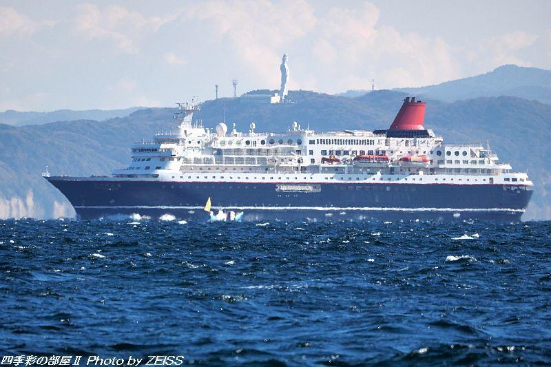 にっぽん丸が日本の海に帰ってきた!_d0358854_11040074.jpg