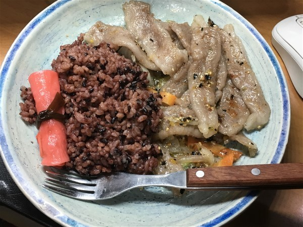 夕飯は和牛の野菜炒め_e0166355_17405224.jpg
