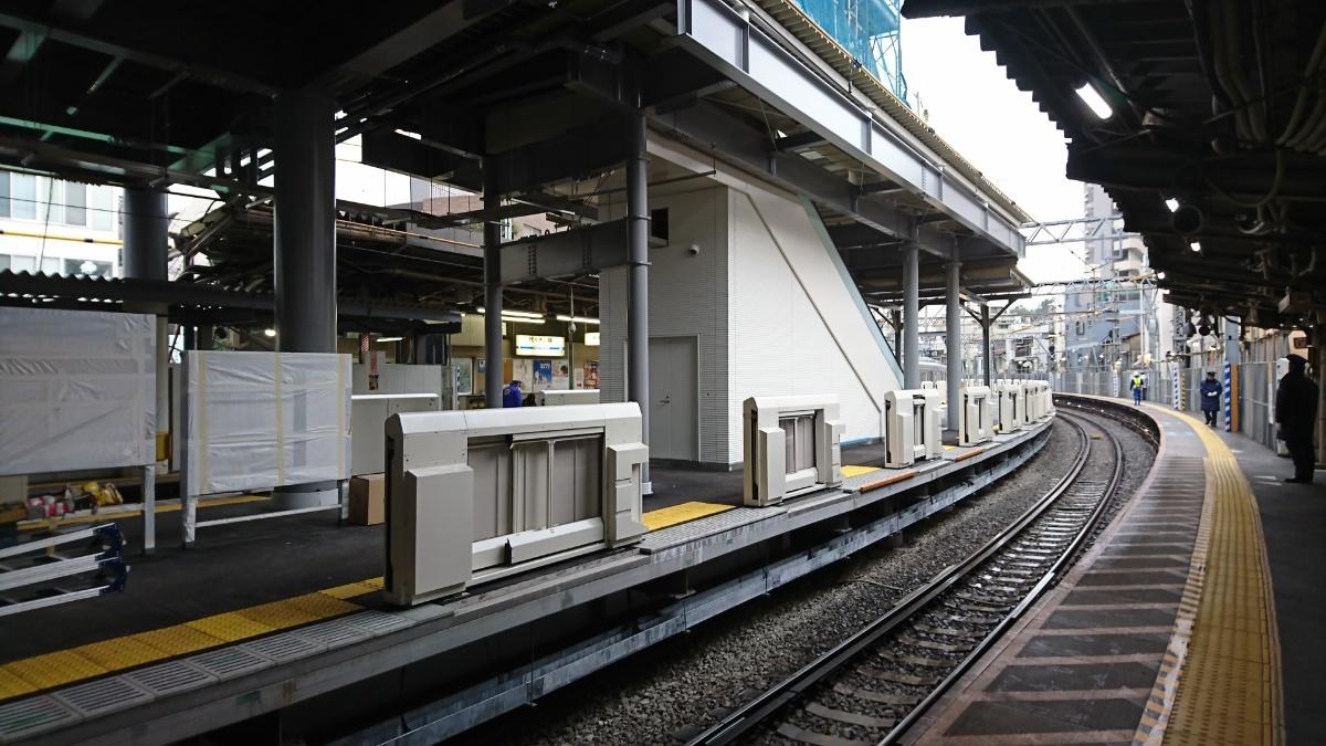 代々木八幡駅 島式新ホームがほぼ出来上がっていた_a0332275_23583662.jpg
