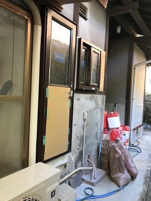 浴室改修にも樹脂サッシ。_b0131012_21241538.jpg
