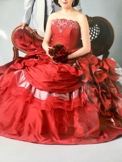 真っ赤なドレス_a0283796_13022581.jpeg