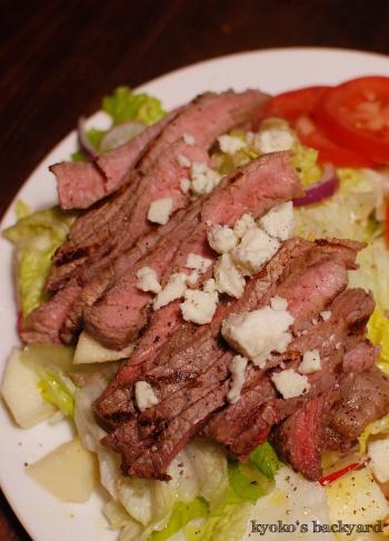 しましまステーキのせサラダ_b0253205_07394291.jpg