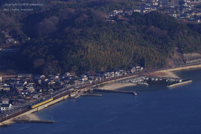 海辺の町を遠望し_d0309612_01174226.jpg