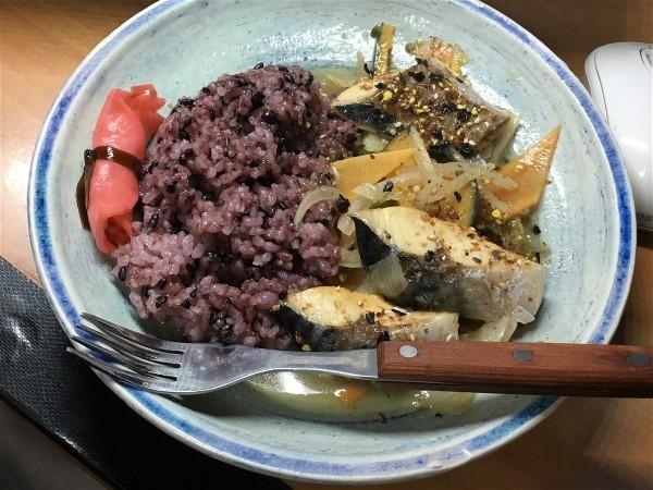 お昼は鯖の野菜炒め_e0166355_13564754.jpg