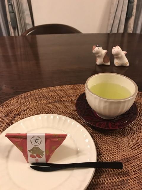 新年の和菓子でお茶時間_a0180279_19123015.jpg
