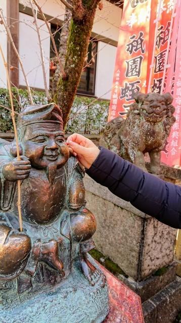 朝のお散歩・八坂さん編_e0167593_23550944.jpg