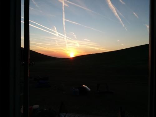 アメリカ牧場の朝日_e0295926_13052495.jpg