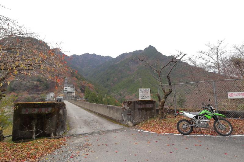UFOラインの帰りは、長沢ダム経由で_a0077663_15584537.jpg