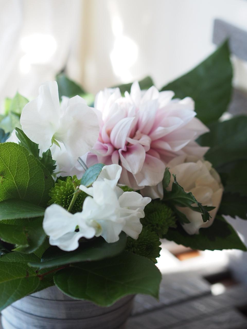春のお花でアレンジメント_d0144095_17412146.jpg