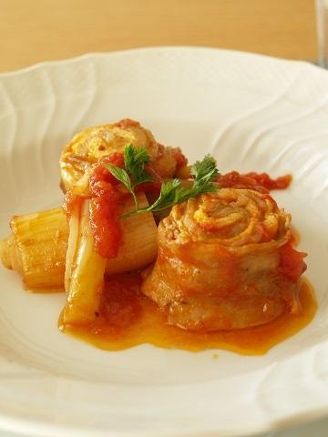 豚バラ肉ロールのトマト煮込み_e0078071_15072697.jpg