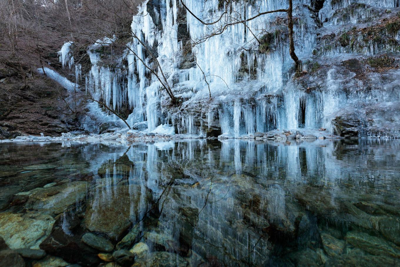 冷気漂う氷の芸術「三十槌の氷柱」_c0369219_11441585.jpg