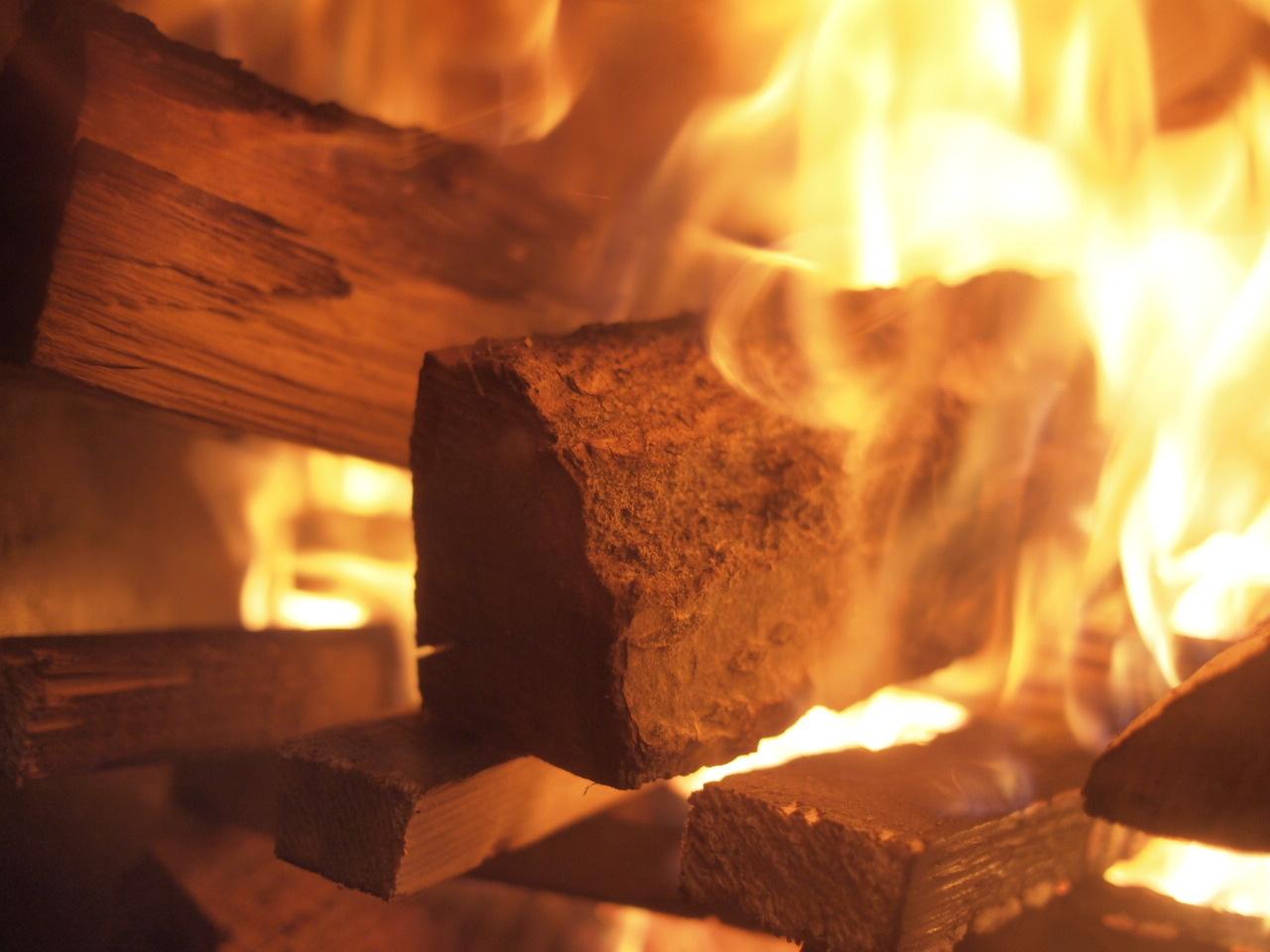 kintoku-stoveの焚き付けの仕方。_a0206732_20001171.jpg