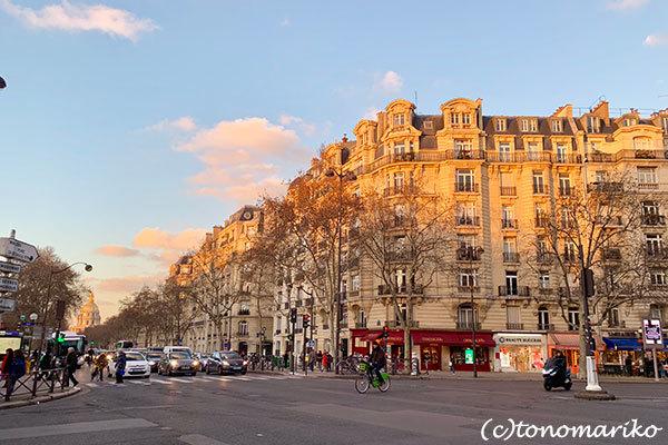 パリの何気ない日々の美しい風景_c0024345_21245448.jpg