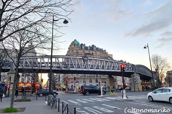 パリの何気ない日々の美しい風景_c0024345_21245481.jpg