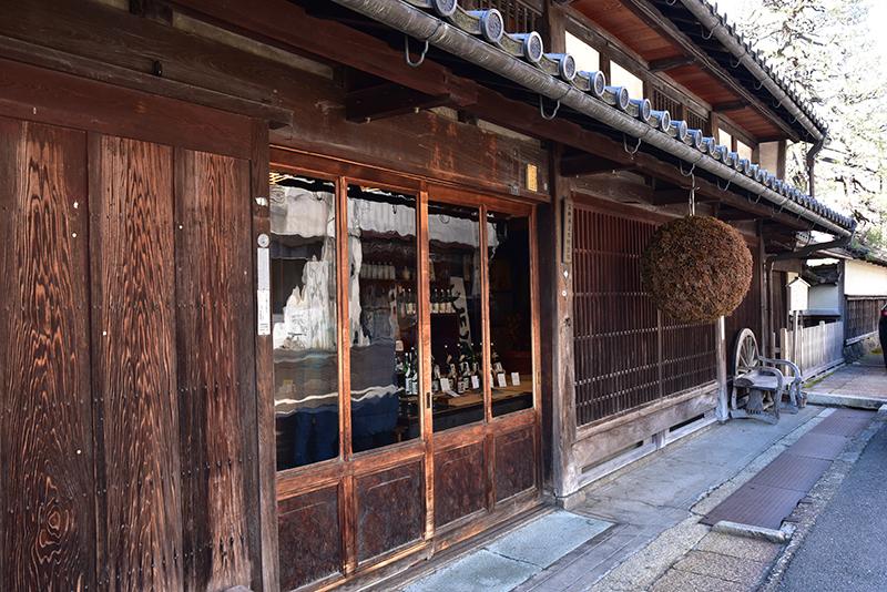 北国街道を行く 長浜から木之本へ_e0164563_08344490.jpg