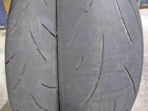 オージー兄ぃ号 ストリートトリプル675のオイル&タイヤ交換・・・(^^♪_c0086965_23040657.jpg