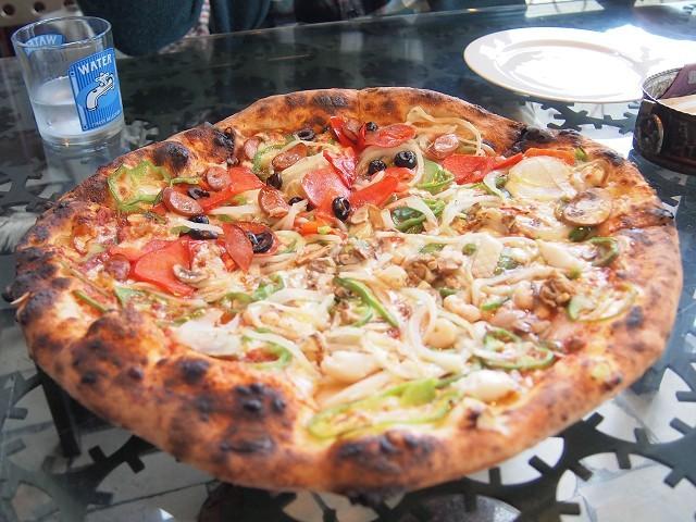 アラビアンな巨大なピザのお店「ピザキング」_d0295818_01324468.jpg