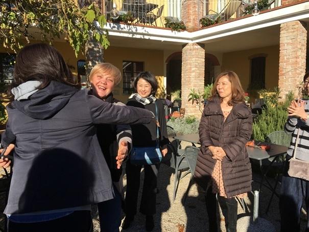 教室ツアーin Piemonte6日目① お世話になったアグリでハグハグ大会_d0041729_00214399.jpg