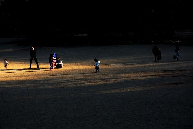 日差しの中で遊ぶ_d0264733_12333191.jpg