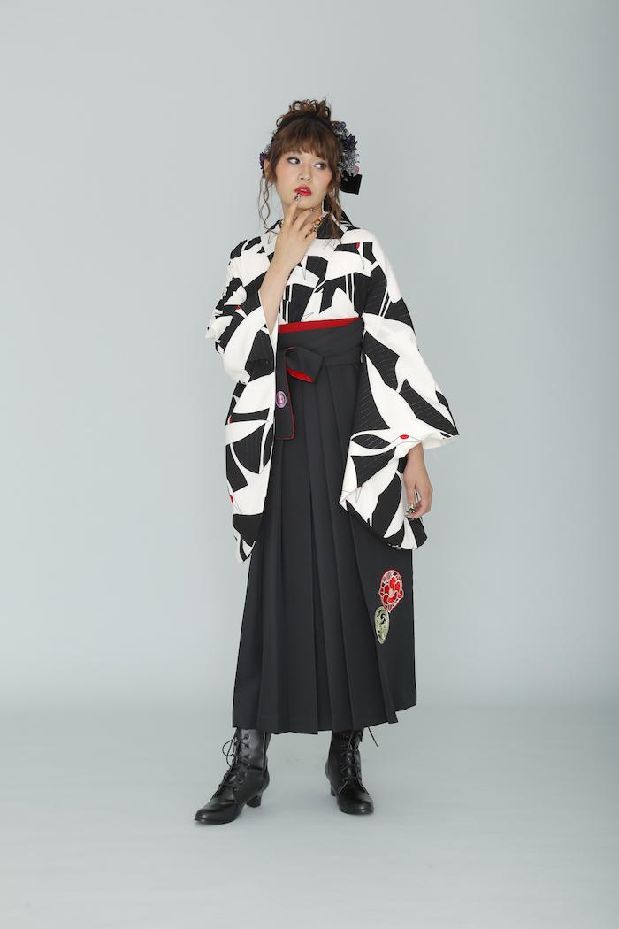 当店のオリジナル卒業袴用二尺袖キモノが雑誌に_d0335577_17351567.jpg
