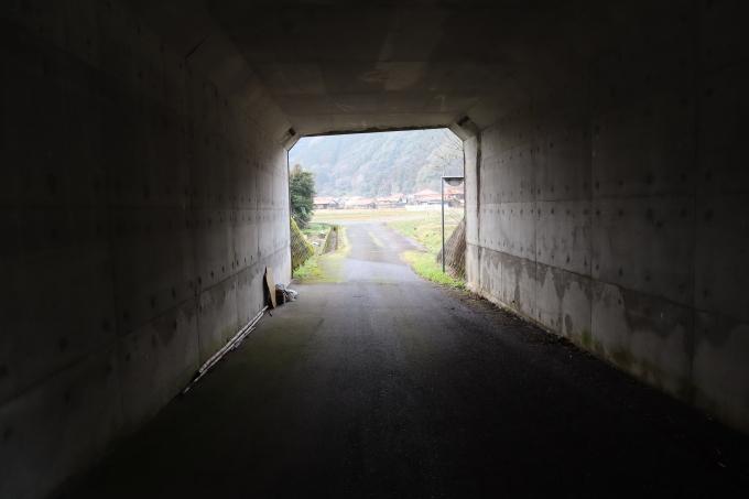 冬です!  トンネルの向こう_b0239402_17530337.jpg