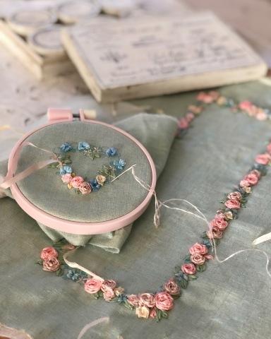 お花が咲いてきました🌹春を待ちわびるリボン刺しゅうのBOX_a0157409_23094839.jpeg