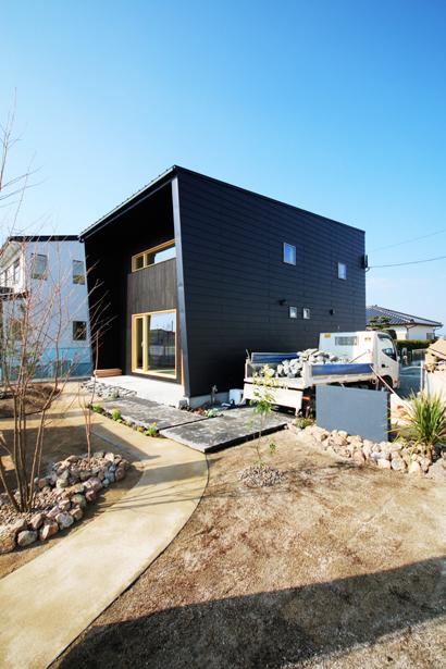 チェアハウスのモデルハウスが佐賀市にオープンします!_e0029115_09255291.jpg