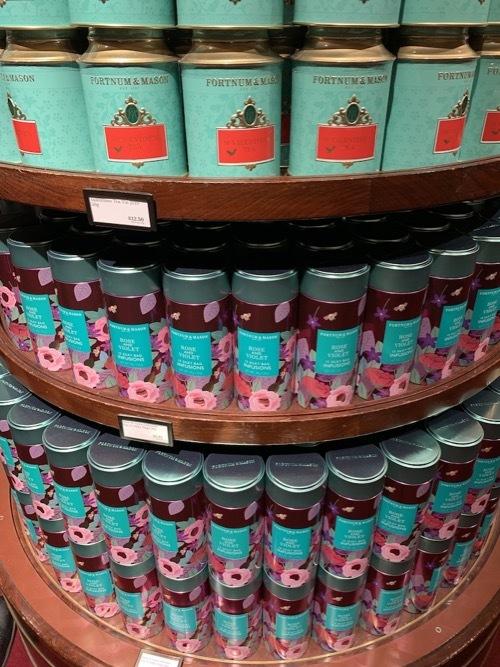フォトナム&メイソンのピンクのチョコレート_f0380234_20554991.jpg