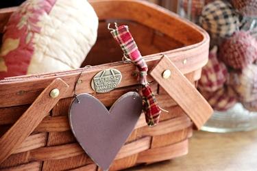 ハートのアップリケピローとプレゼントのウッドハート♥_f0161543_16321443.jpg
