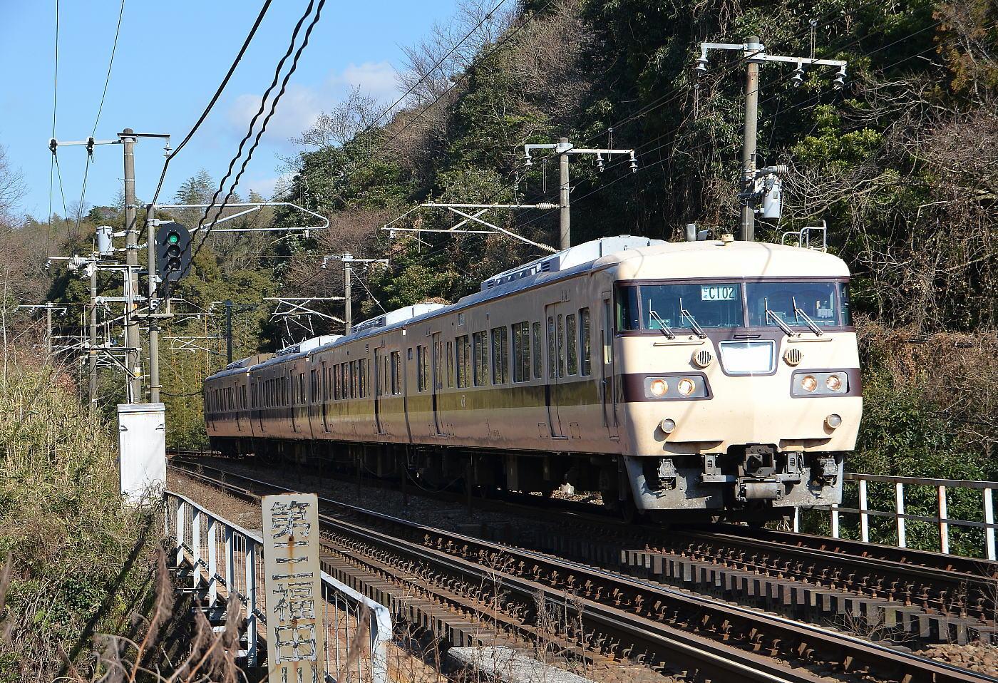 岡山117系E08検査出場_a0251146_22190736.jpg