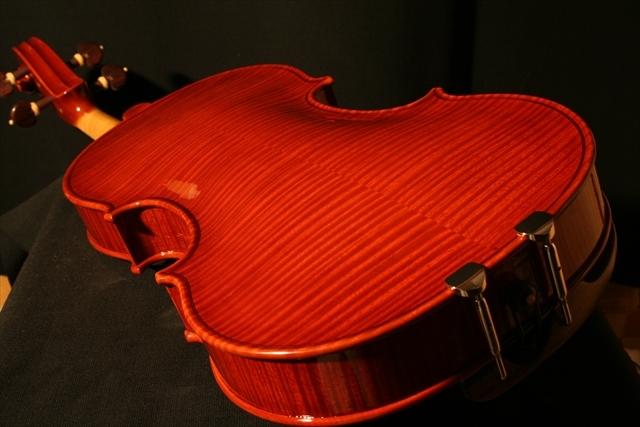 2007年 ヴァイオリン ガルネリ「カノン砲」モデル_a0197551_07193740.jpg