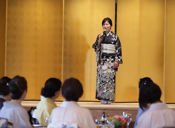 10周年・久子さま・羽田登さん訪問着に西陣まいづる帯_f0181251_17215018.jpg