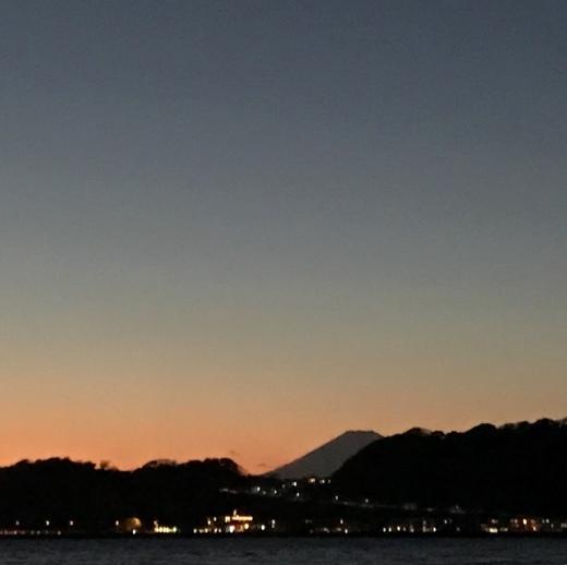 冬の夕焼け_e0170562_17520311.jpeg