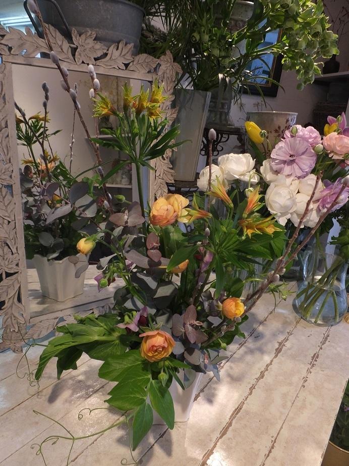 オークリーフ花の教室(甘艸さんと大草さんの作品)_f0049672_18302888.jpg
