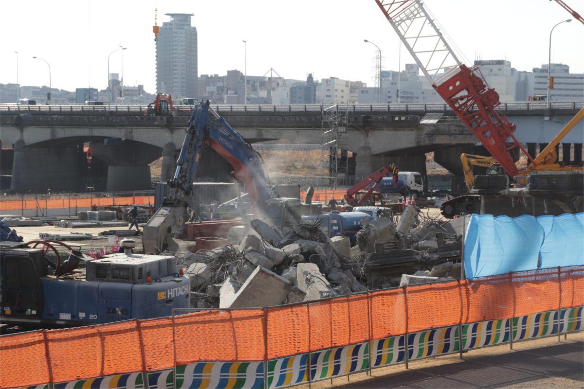 関戸橋(旧橋)解体中_a0332275_02471752.jpg